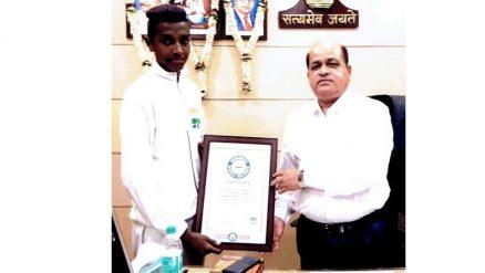 Guinness world record holder Abhishek Navale honoured by Belagavi DC S.B.Bommanahalli,